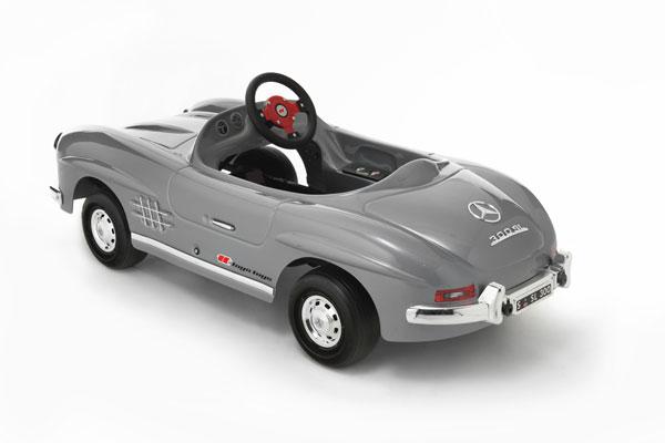Mercedes 300 sl for Mercedes benz pedal car